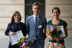 9th-CONSEURO-Berlin_The-winners-of-the-Scientific-Foundation-Award-Tatjana-Maravić-Prof.-dr.-Sebastian-Paris-President-EFCD-Berlin-Sophie-Lindner
