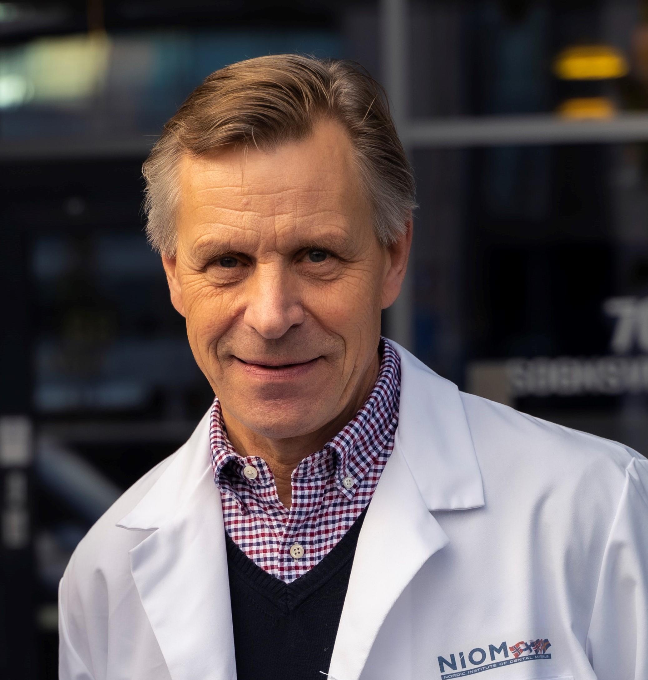 Dr. Frode Staxrud